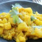 Cauliflower Potato Curry – Slender Kitchen