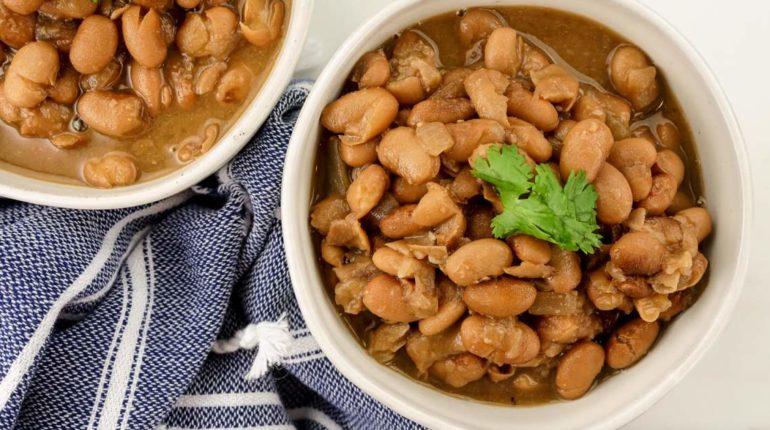 Simple Crock Pot Pinto Beans